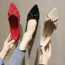 Pointed single shoes women 2020 new wild women's shoes spring and autumn flat shoes black autumn models net red shallow mouth la