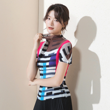 2019 summer New pattern fold stripe High collar Tight fitting Ventilation Short sleeve personality T-shirt Women's T-shirt stripe pattern patch t shirt