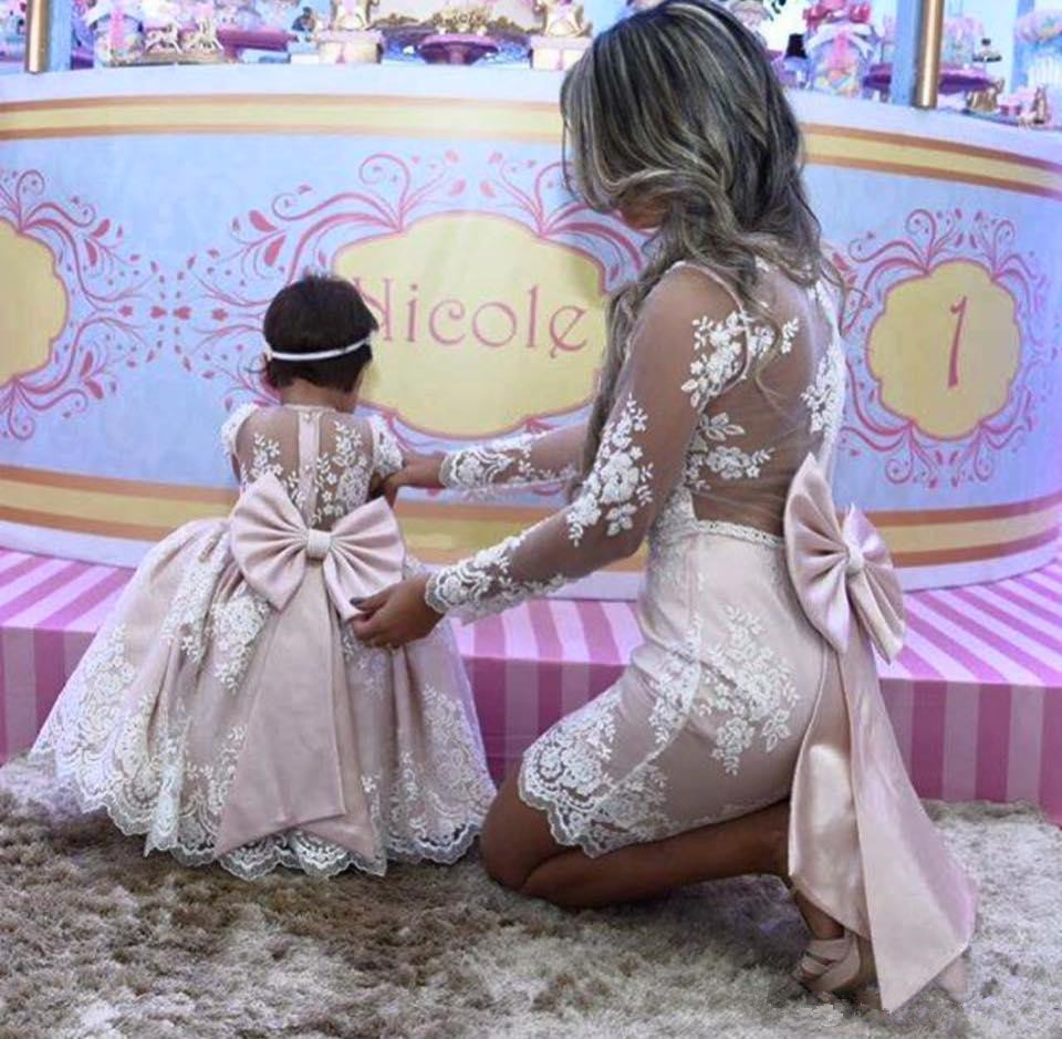 2019 Mother Daughter Princess Pink Lace Ball Gown Flower Girl Dresses Long Sleeves Mother Of Bride Dresses With Big Bow