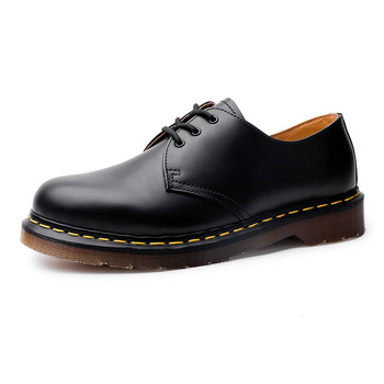 Martin męskie skórzane buty w brytyjskim wietrze duże okrągłe głowy mężczyzn i kobiet miłośników wypoczynku oprzyrządowanie stocznie krótkie buty buty tanie i dobre opinie NoEnName_Null Podstawowe Mikrofibra Połowy łydki Stałe Prawdziwej skóry Okrągły nosek Mieszkanie (≤1cm) Lace-up