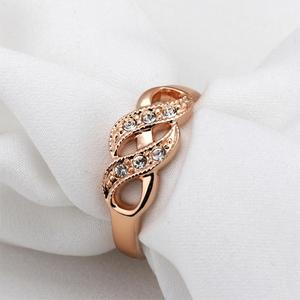 Creepers Wave Shape Cubic Zirconia Finger Wedding Rings for Women Rose Gold Color Fashion Brand Christmas Day Gift R334 R226