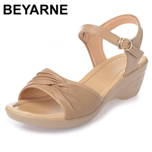 Image 1 - BEYARNE 2018 חדש בוהן פתוח סקסי קיץ נשים סנדלי עור אמיתי נעלי סנדלים בתוספת גודל נוח שטוח טריזי סנדלי