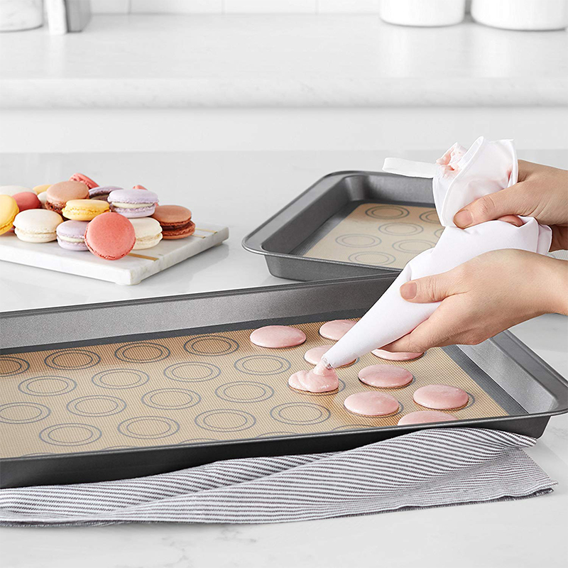 1 Pcs Premium Silicone Baking Mat In Non Stick Silicone Fiberglass For Easy And Convenient Baking