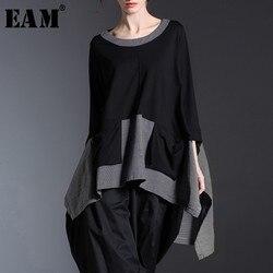 [EAM] 2020 Neue Frühling Rundhals Langarm Schwarz Grau Unregelmäßigen Plaid Saum Split Joint Große Größe T-shirt frauen Mode Flut JE68