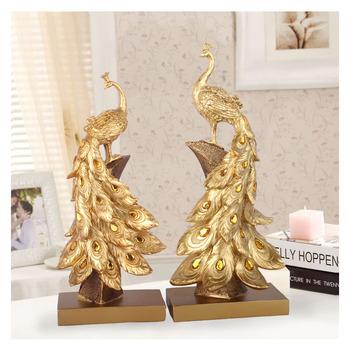 Dekoracja wnętrz paw biżuteria złoty paw miniaturowa statuetka żywica ozdoby na biurko akcesoria do dekoracji wnętrz prezenty biznesowe tanie i dobre opinie IAMPRETTY CHINA Maskotka Żywica Creative Fashion Golden Peacock Resin 16 5x10 5x40cm(6 5x4 13x15 75inch) 15 5x9x34 5cm(6 1x3 54x13 58inch)