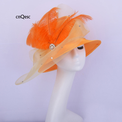 2019 Orange satin hut crin fascinator kleid hut Kentucky Derby braut dusche mutter der braut W/strass & federn
