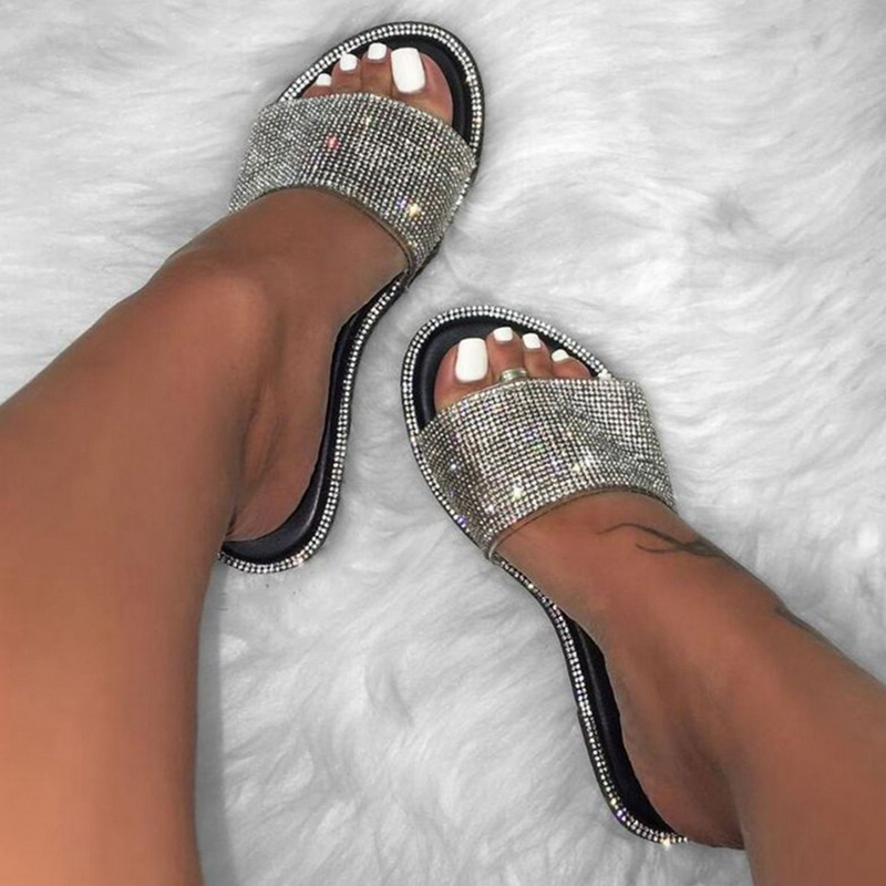 2020 Womens Slippers Summer Slippers Glitter Bling Slide Flat Slipper Shoes Low Heel Comfortable Breathable Bling Sandals