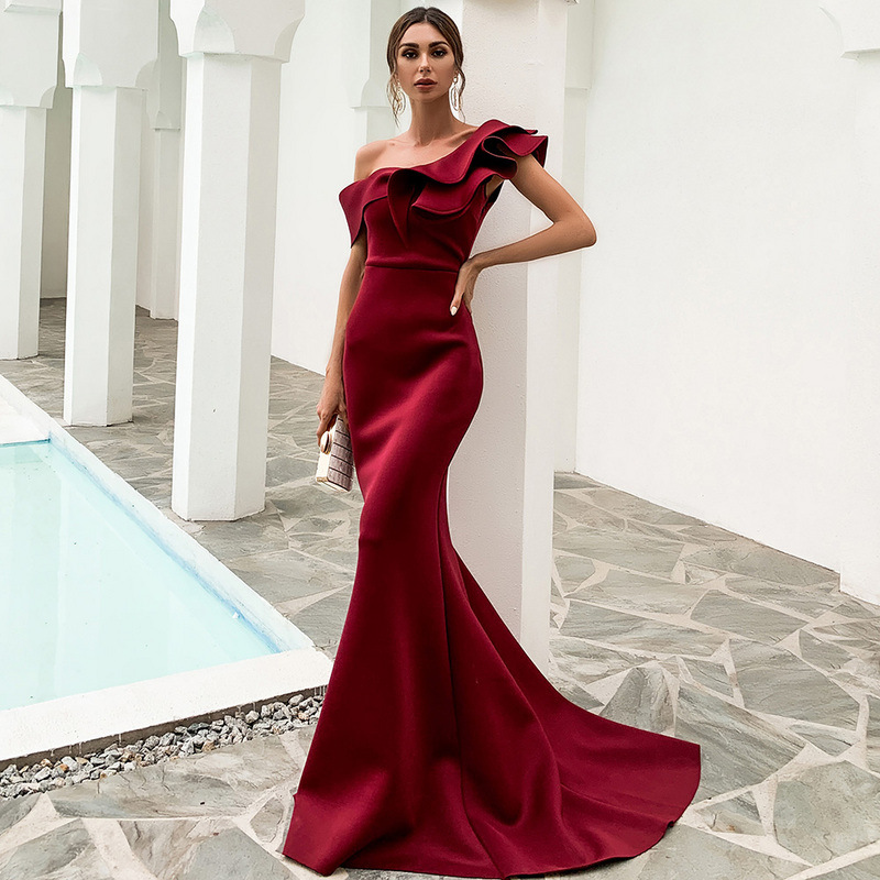 New Satin Burgundy Prom Dresses One Shoulder Ruffles Long Celebrity Wedding Guest Maid of Honor Evening Gowns Mermaid Elegant
