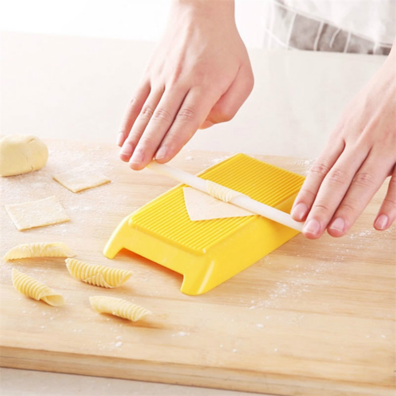 Plastic Pasta Tools Macaroni Board Manual Rolling Pin Spaghetti Macaroni Gnocchi Maker Baby Kid Food Roller Mold Kitchen Gadgets image