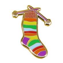 Радужные носки эмалевая булавка вязание крючком и пряжа брошь теплые чулки творческий трикотажный значок