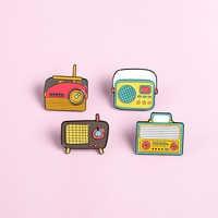 Broche de Radio Vintage con dibujos animados para hombre y mujer, joyería con pines delicados, regalo para personas mayores