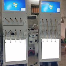 Торговый киоск с сенсорным экраном для мобильных телефонов с зарядкой питания