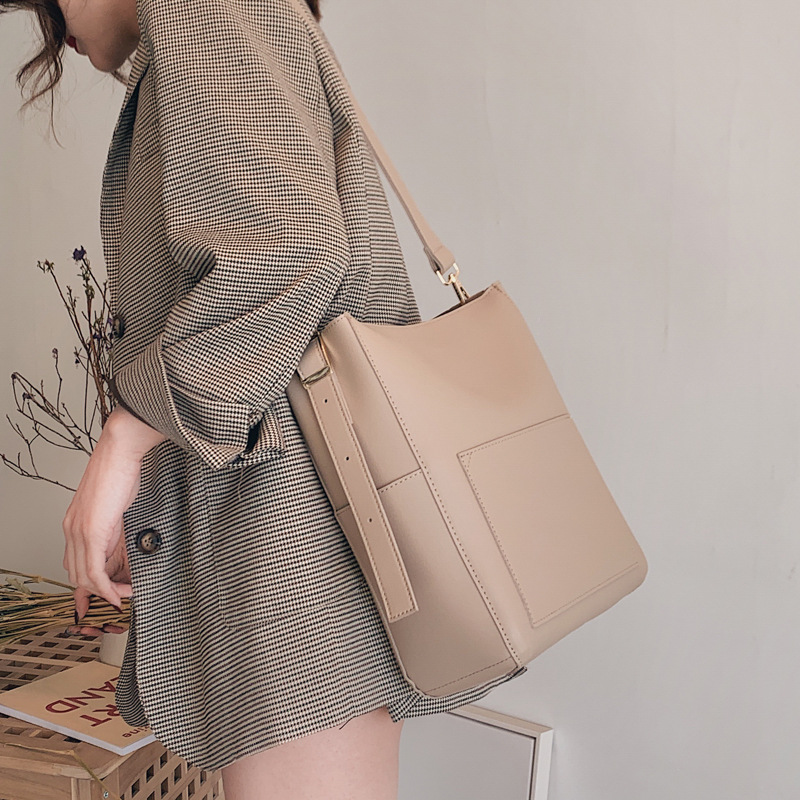 Large Capacity Women Shoulder Bags Designer Brand Handbags Luxury Pu Leather Crossbody Bag Casual Totes Simply Buckets Bag Purse