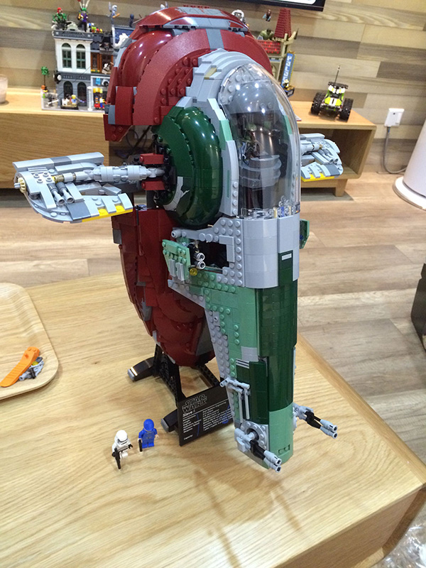 05037 2067pcs Space Wars Universe New Slave I Model Building Blocks Great Gifts Sets Playset Kit Gifts Compatible with 75060 1