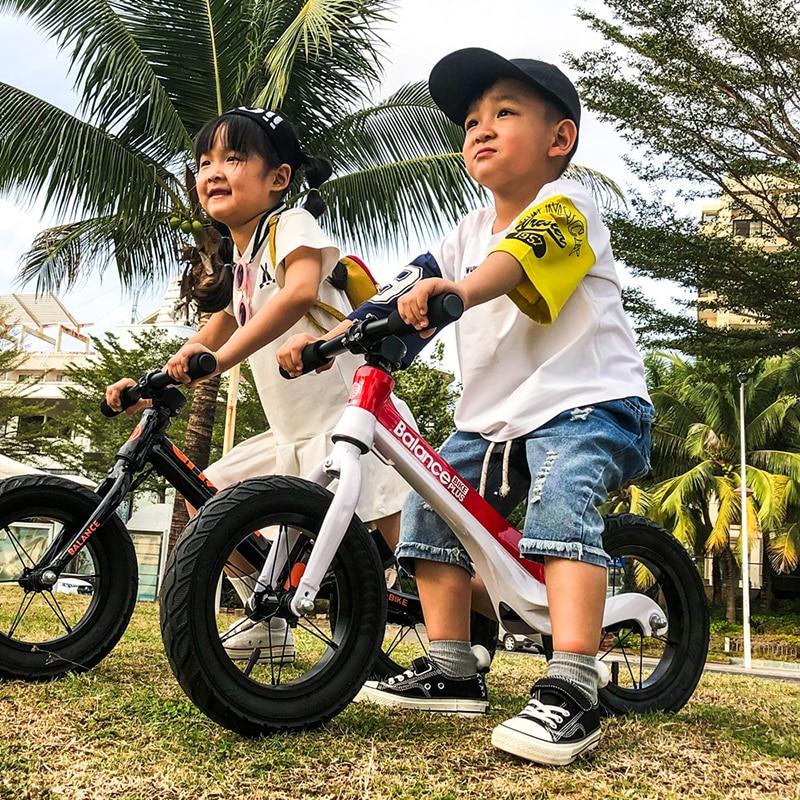 Niño brillante niños equilibrio bicicleta sin Pedal ultraligero práctica de conducción bicicleta aprender a caminar para 2 ~ 6 años de edad niños regalo - 6