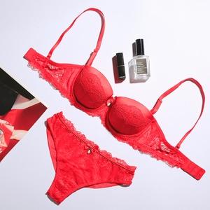 Image 4 - נשים הלבשה תחתונה סטי תחרה פנינת קישוט חזייה ותחתונים אדום חם חזיית סט סקסי חוטיני חלקות קצרים לדחוף את חזייה