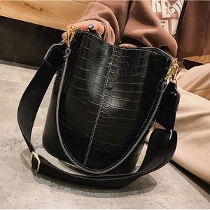 Image 2 - 패션 양동이 핸드백 여성 캐주얼 토트 메신저 가방 악어 패턴 Crossbody 가방 대용량 레트로 숄더 가방 여성