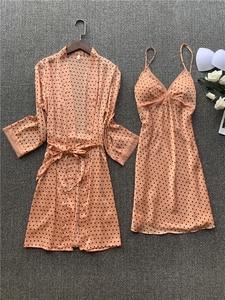 Image 3 - מודפס מנוקדת גברת קימונו חלוק שמלת סאטן סקסי Loose כלה חתונה חלוק סט סקסי תחרה לקצץ חתונה הלבשת חליפה