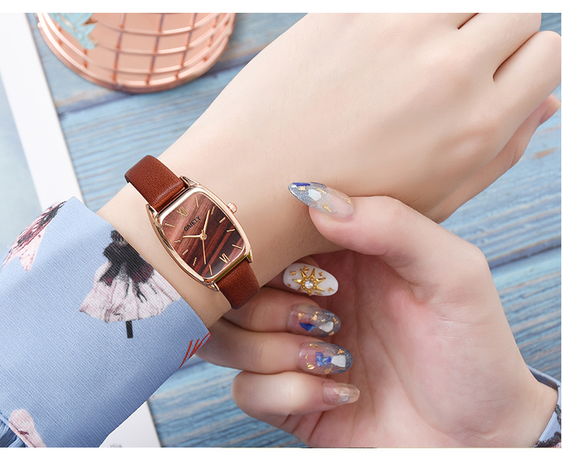 Exquisite small simple women dress watches retro leather female clock Top brand women's fashion mini design wristwatches clock Hdd9054b92fcc4bbaa24982275bac12aeI