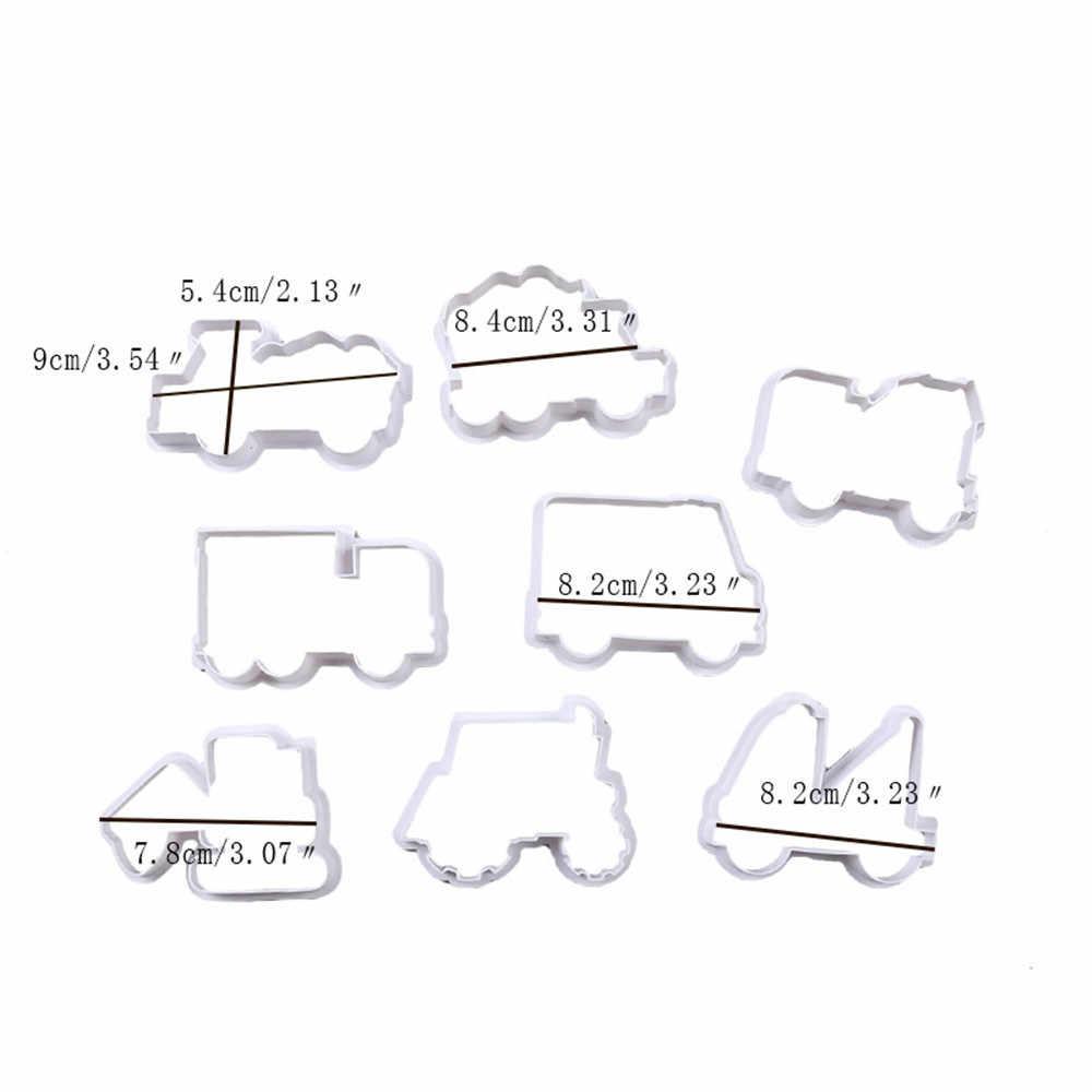 8 Teile/satz Nette 3D Cartoon Cookie Cutter Werkzeuge Kunststoff Auto Form Lebkuchen Form DIY Pastry Präge Cookie Keks Backen Formen