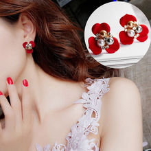цена на Doreen Box Acrylic Ear Post Stud Earrings Color Flower Clear Rhinestone Imitation Pearl Sweet Jewelry Gift 25mm x 23mm, 1 Pair