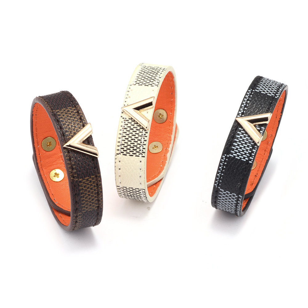 2019 Hot Sale Grid Genuine Leather Bracelet Bangle Gold V shaped Metal Decoration Men Women Classic Charm Jewelry Gifts