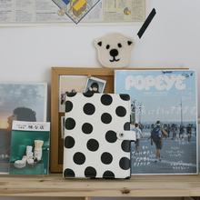 Cuadernos y diarios de puntos blancos y negros creativos de Lovedoki A5 espiral 2019 organizador de planificación suministros de papelería de oficina de negocios