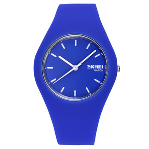 Image 2 - New Fashion Women Sports Watch Silicone Men Casual Watch Quartz Watch Clock Student Relogio MasculinoRelogioFeminino RelojMujer