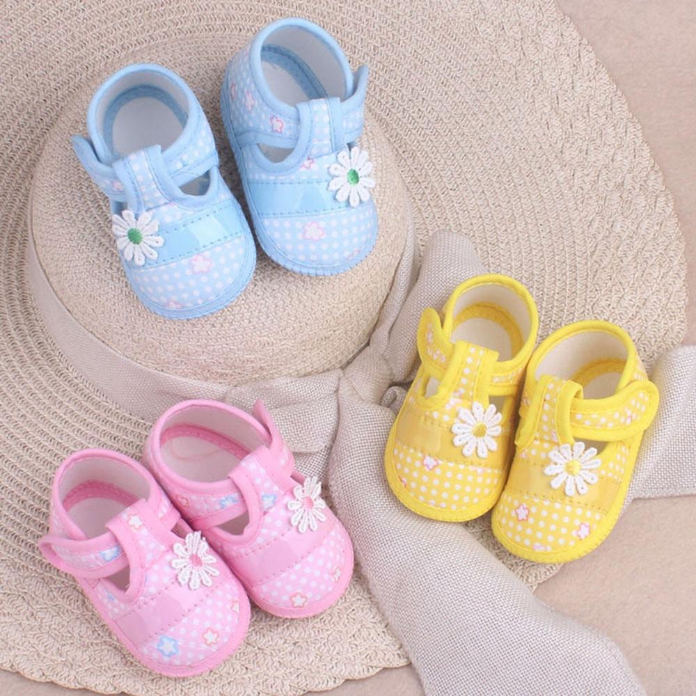 Crib Shoes Toddler Girls Newborn Soft Sole Cotton Cloth Non-Slip Prewalker Hoop