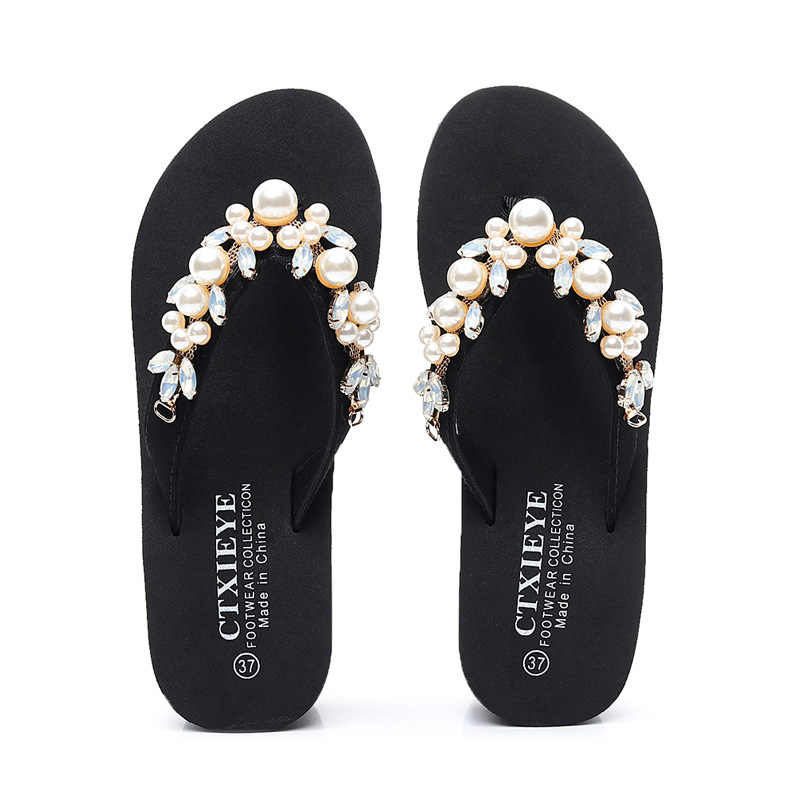Kadınlar tatlı inci taklidi çiçek terlik kadın açık Bohemia plaj ayakkabısı kadın kama yüksek topuklu Flip flop artı boyutu 42