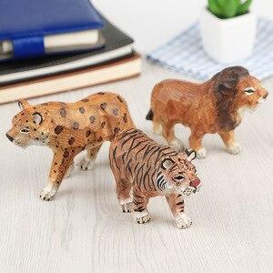 Tigre/León/leopardo/cebra/jirafa de zoológico pintado a mano animales de madera sólida estatua tallada regalo creativo para niños decoración de jardín de hadas