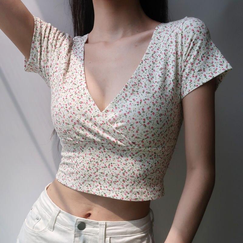 2021 Vintage Floral Tops for Women Deep-V T-shirts Short Design Above Belly Slim Tops Tees Women Summer Clothing