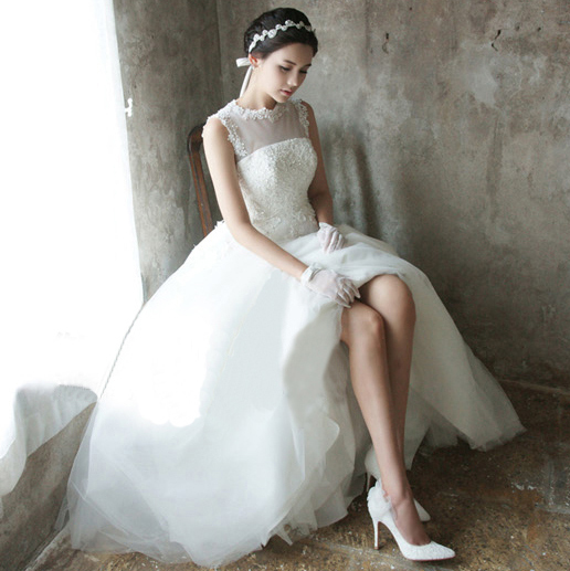 Free Shipping Sexy Romantic 2016 Casamento Vestido De Noiva Renda Bride Bridal Gown Beading Vintage Appliques Long Wedding Dress