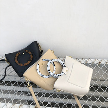 цена Fashion Acrylic Handle Women Handbags Designer Buckets Bag Luxury Pu Leather Ladies Bag Large Capacity Totes Casaul Summer Purse в интернет-магазинах