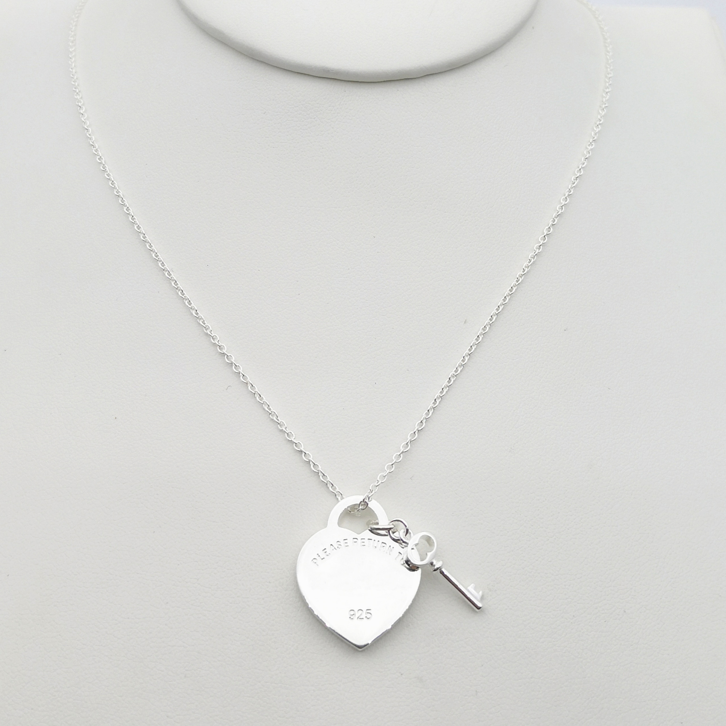 1: 1 sterling silver 925 classic popular silver heart shaped silver key pendant necklace jewelry holiday gift