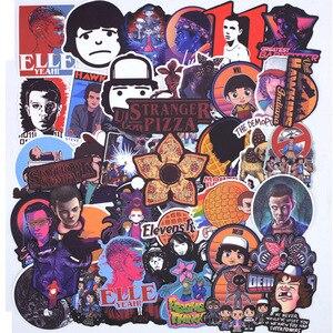Image 4 - 100 PCS Molto Le Cose Sconosciuto Adesivi Pacchetto. Per i bambini i Ragazzi Sul Computer Portatile Del Frigorifero Del Telefono Bagaglio di Skateboard Film Stanger Sticker
