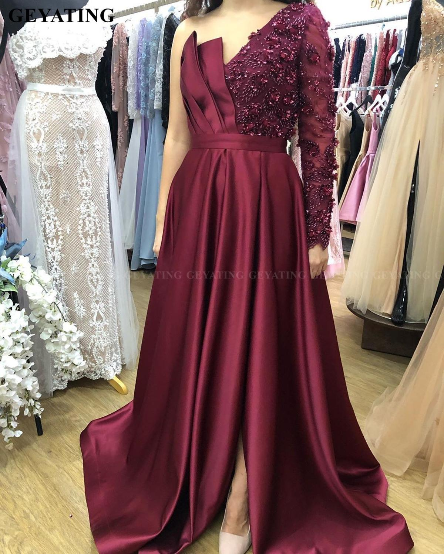 Elegant Arabic Burgundy Satin Evening Dress With Slit One Shoulder Sleeve Crystal Beaded Dubai Ladies Prom Formal Gowns