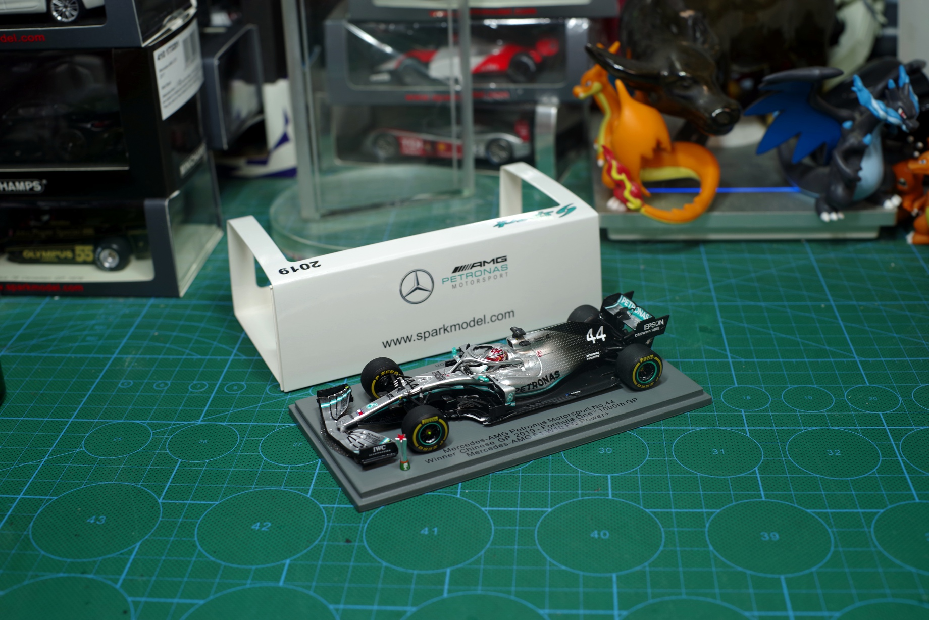 1/43 2019 China Station Mercedes-AMG Mercedes-Benz W10 Hamilton F1 Car Model Collection With Original Box