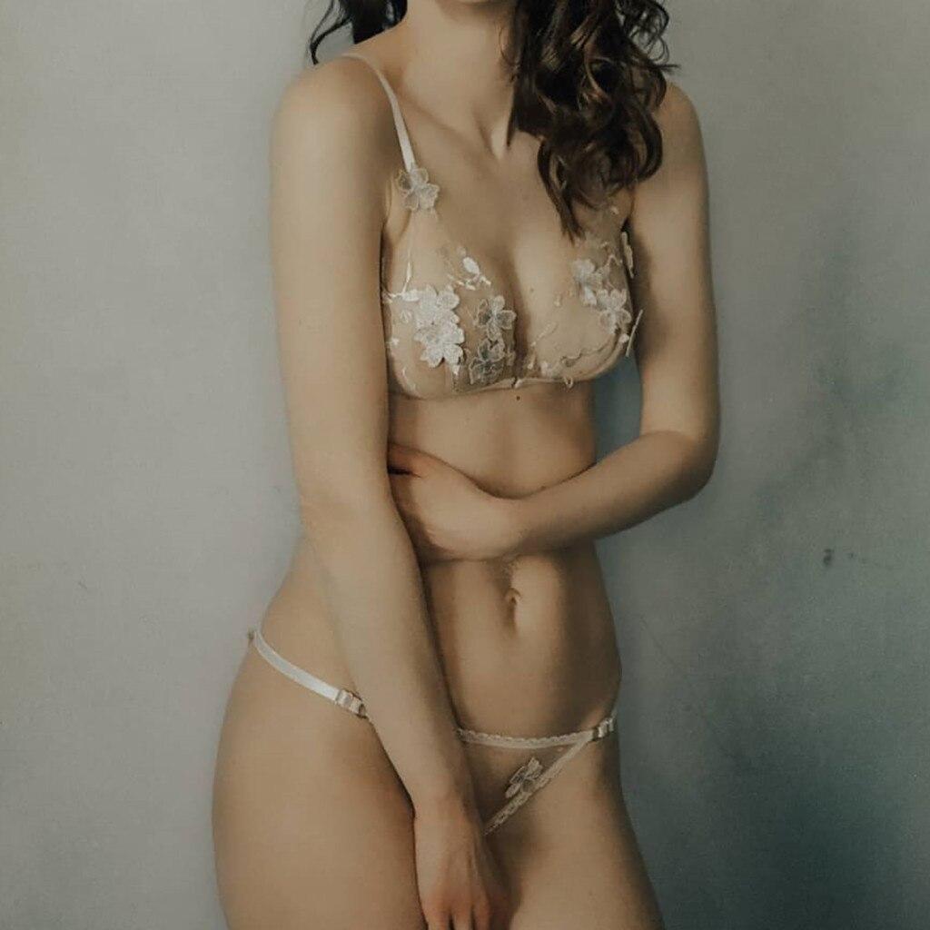 New Fashion Sexy Women Bra Set Lingerie Corset Lace Underwire Racy Muslin Sleepwear Underwear Solid Seamless Tops+Briefs Sets
