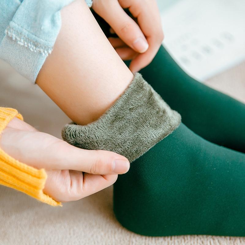 Mulheres/homens inverno quente engrossar meias térmicas lã cashmere neve pele preta sem costura meia de veludo botas macias chão dormir meias Meias    -
