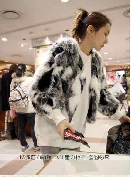 توب 2019 معطف الشتاء الخريف للنساء فروي قصير أسود أبيض رمادي فو الفراء معطف الاصطناعي الفراء وهمية أبلى ZM23