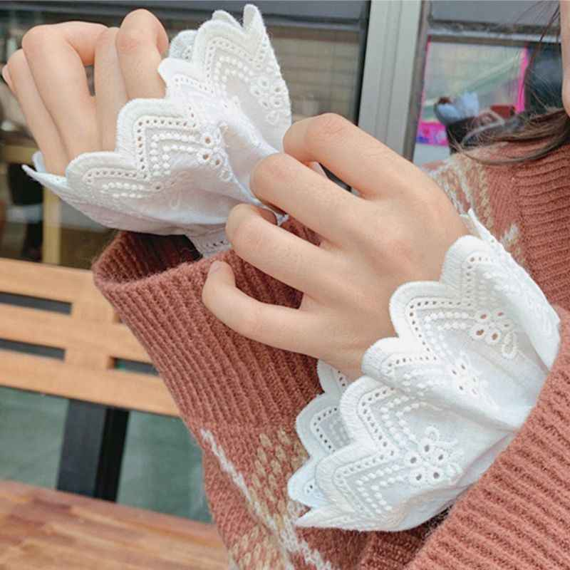 Womens Pleated Ruffles Horn Cuffs Hollow Out 자수 꽃 레이스 가짜 슬리브