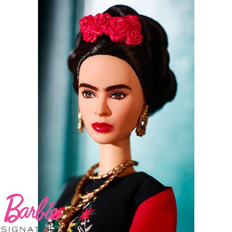 Original Barbie Inspirierende Frauen Amelia Earhart Puppe Sammler Edition Mädchen Geburtstag Geschenk FJH62