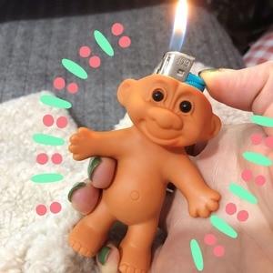 Soporte para muñeca Troll encendedor de plástico, caja de cartón, encendedores, accesorios para fumar, juguetes de manga, caja de cigarrillos de regalo