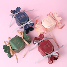 New 50pcs/lot Fishtail candy box Wedding Favors Candy Bags DIY Gift Boxes with Ribbon paper Party Supplies