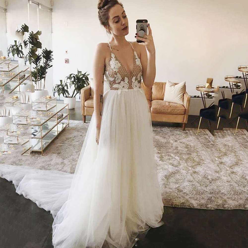 Eightree Sexy Spaghetti Prom Dresses A Line Appliques Tulle Long Evening Party Gown V Neck Sleeveless Bridal Wedding Party Dress