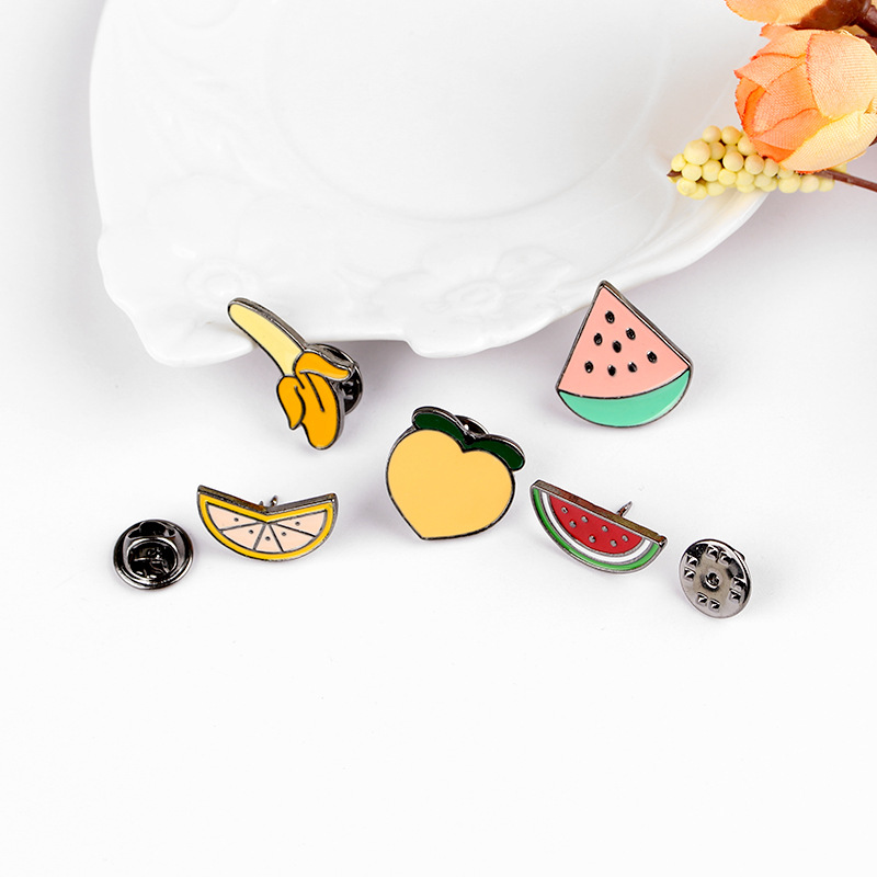 Colorful-Funny-Watermelon-Banana-Brooch-Button-Pins-Denim-Jacket-Pin-Badge-Creative-Fruit-Pin-Jewelry-Accessories
