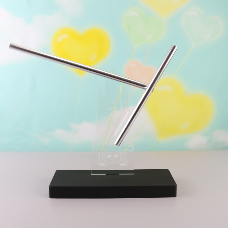 Creative Perpetual Instrument Iron Man Electromagnetic Pendulum Home Desktop Decoration Ornament Magnetic Figurine Miniature