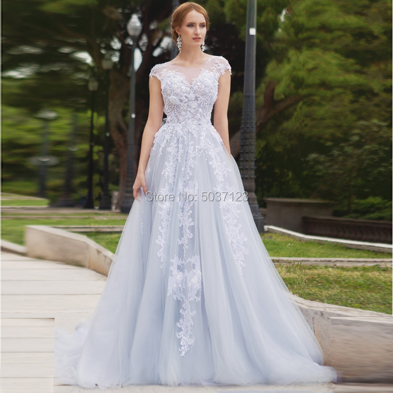 Light Blue A Line Wedding Dresses Tulle Vestidos De Noiva Lace Appliques Sleeveless Court Train Bridal Gown Button Illusion