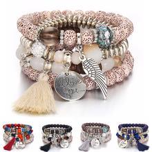 В богемном стиле с украшением в виде кристаллов бисера браслеты